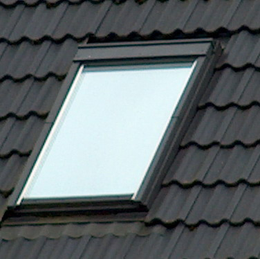Sonnenschutzfolie_an_Dachfenster